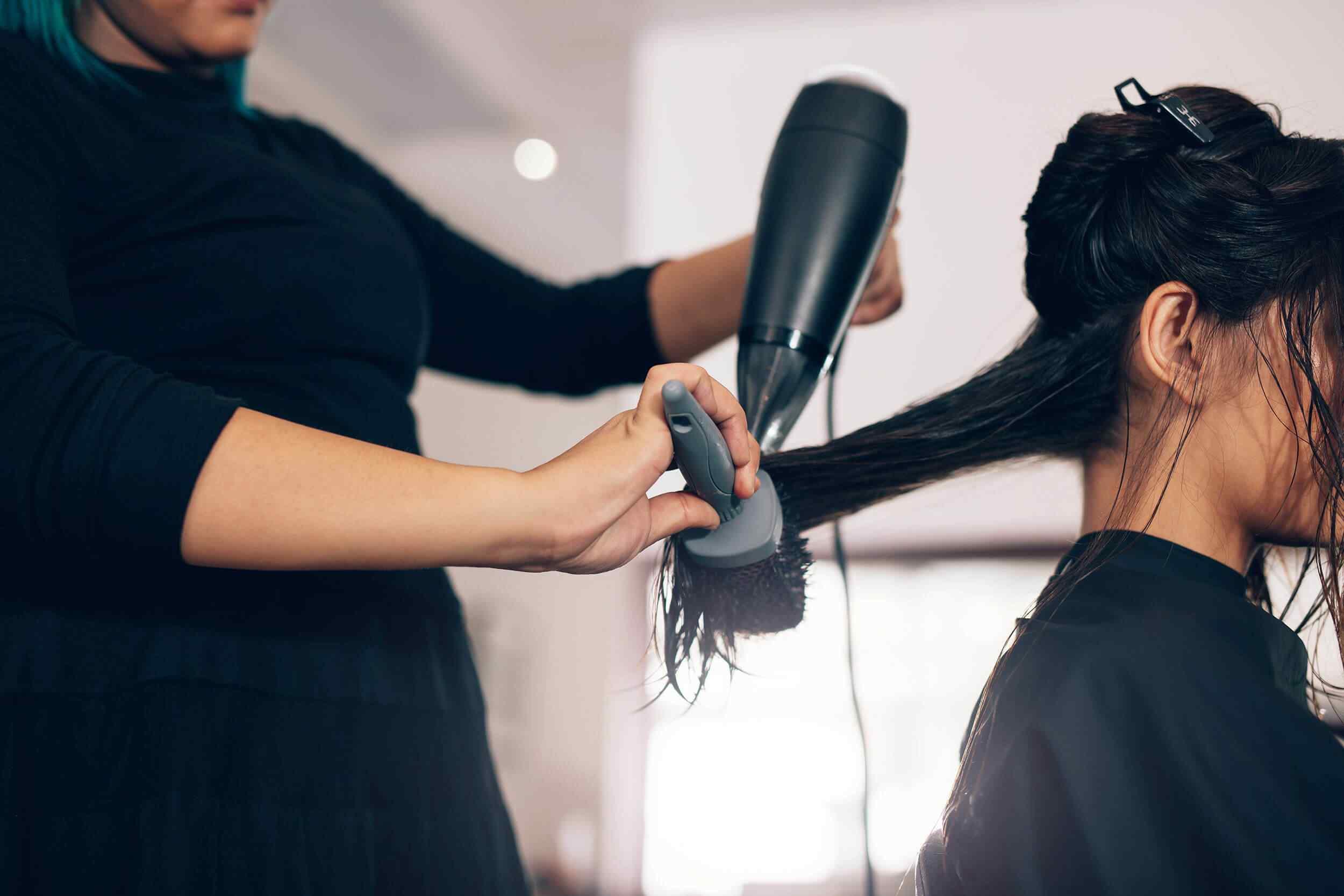 hairdresser-styling